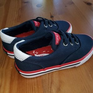 *new* Sperry boat shoes, size 9T w/elastic laces